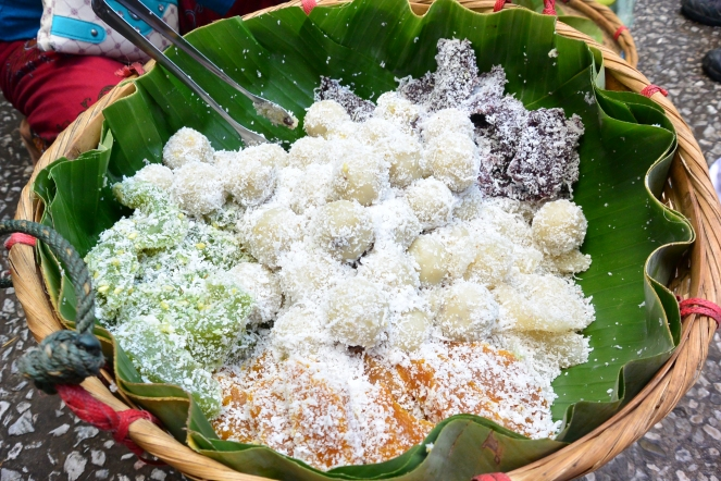 Colourful sticky rice cakes